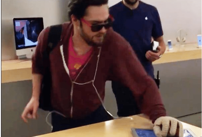 French guy calmly destroys everything in Apple Store with steel ball